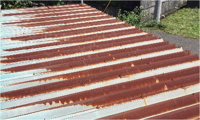 錆びた折半屋根