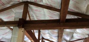 屋根裏の状況