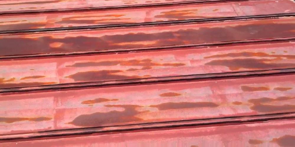 トタン屋根の雨漏り